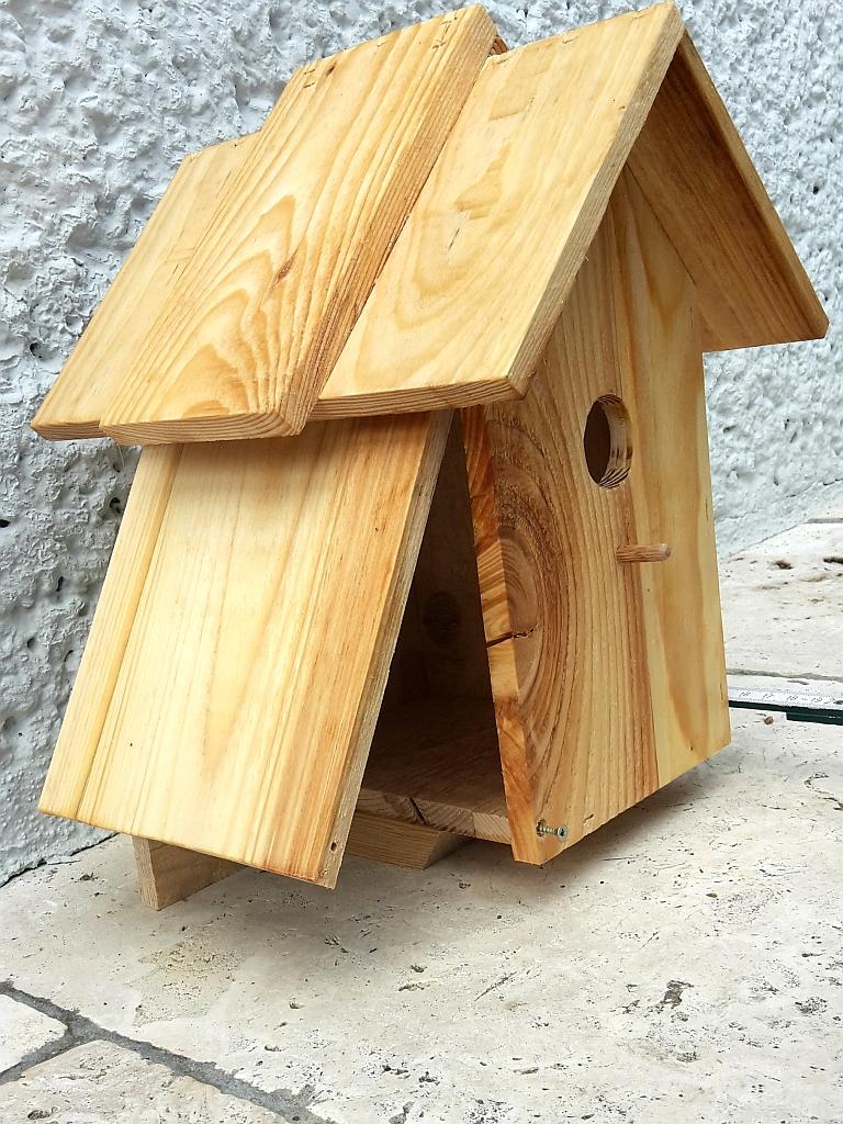 Selbstgebasteltes aus Holz für den Garten