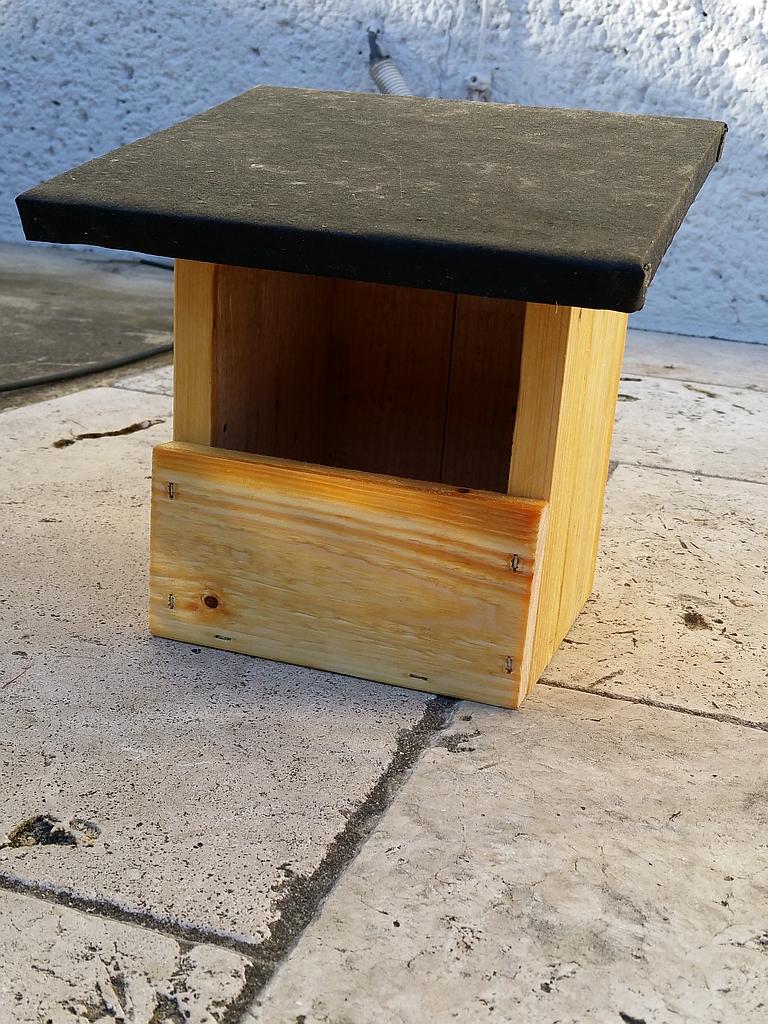 selbstgebasteltes aus holz f r den garten. Black Bedroom Furniture Sets. Home Design Ideas